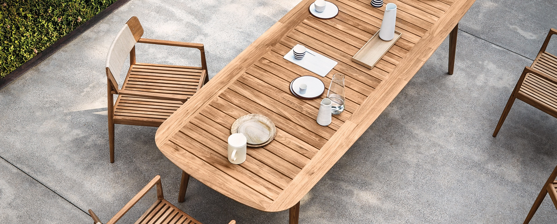 High-end outdoor furniture collection clipper by Hendrik Pedersen