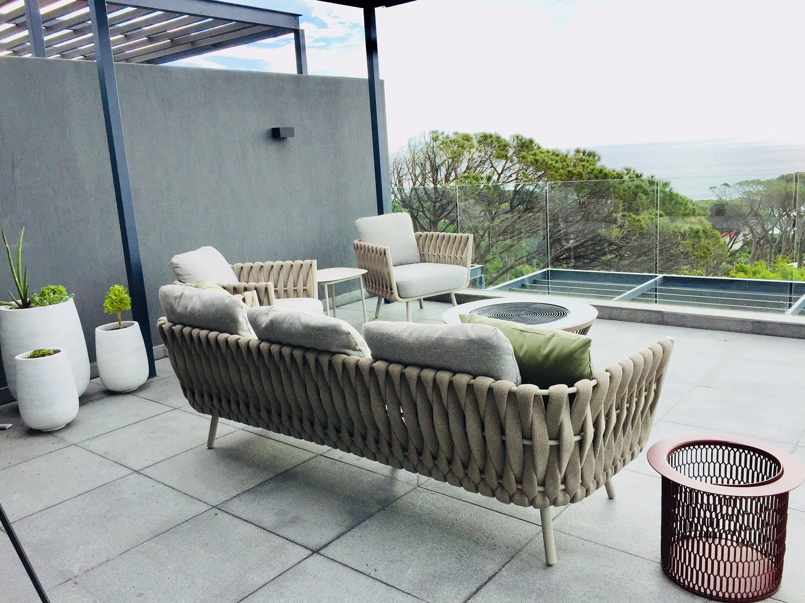 Tosca outdoor sofa by Tribu
