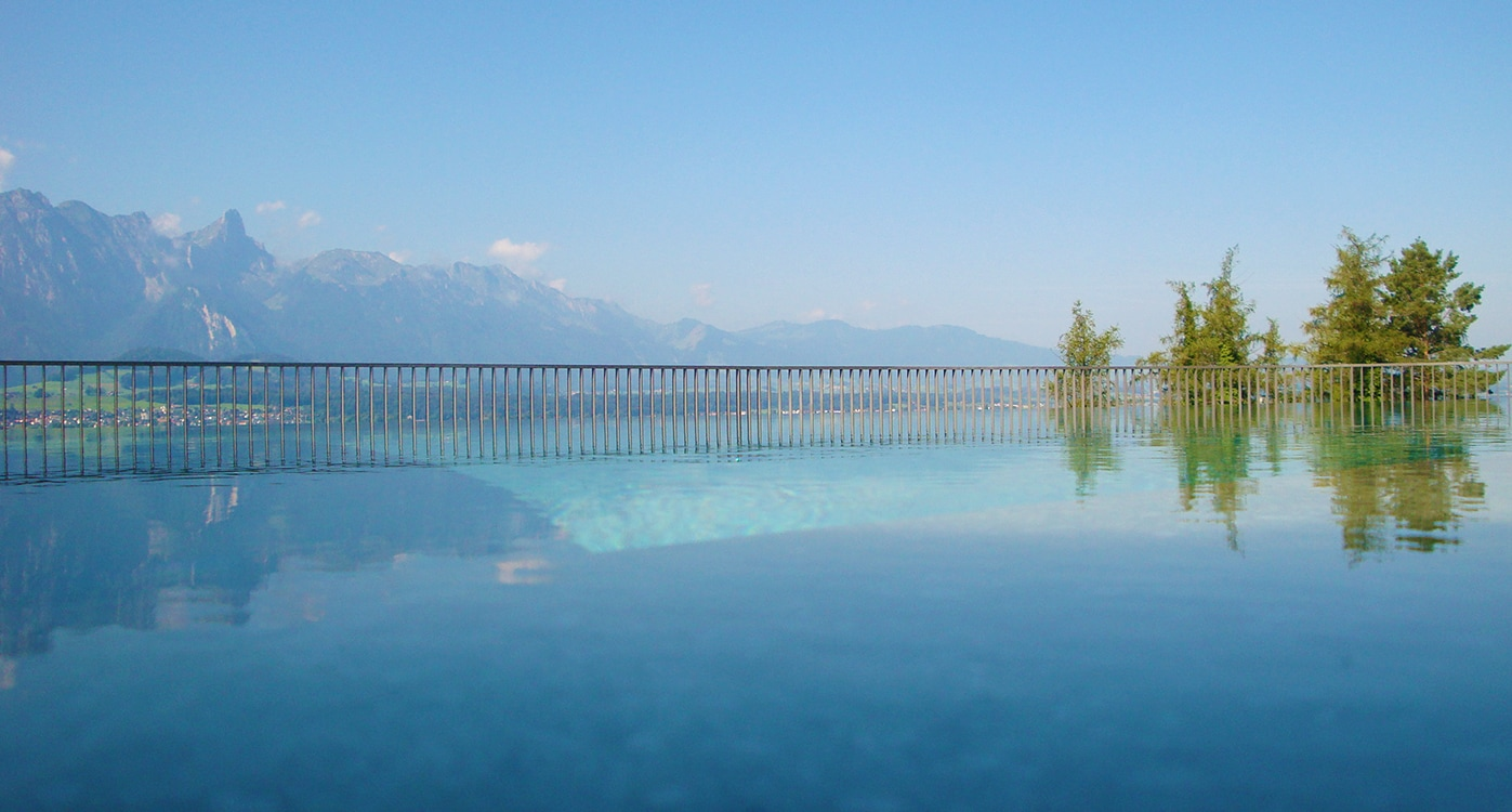 Insanely Beautiful Views Of A Swiss Hideaway With Roda